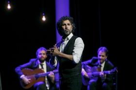 """Jueves Flamencos de la Fundación Cajasol en Sevilla: Arcángel y su espectáculo 'Tablao' (23) • <a style=""""font-size:0.8em;"""" href=""""http://www.flickr.com/photos/129072575@N05/32232642167/"""" target=""""_blank"""">View on Flickr</a>"""