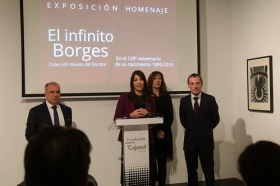 "Exposición 'El infinito Borges' en Córdoba • <a style=""font-size:0.8em;"" href=""http://www.flickr.com/photos/129072575@N05/32867987458/"" target=""_blank"">View on Flickr</a>"