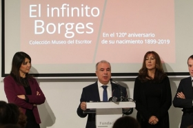 "Exposición 'El infinito Borges' en Córdoba (21) • <a style=""font-size:0.8em;"" href=""http://www.flickr.com/photos/129072575@N05/45827718675/"" target=""_blank"">View on Flickr</a>"