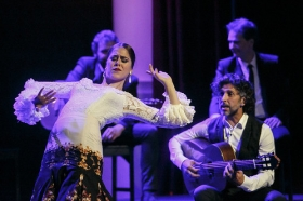 """Jueves Flamencos de la Fundación Cajasol en Sevilla: Arcángel y su espectáculo 'Tablao' (30) • <a style=""""font-size:0.8em;"""" href=""""http://www.flickr.com/photos/129072575@N05/32232642607/"""" target=""""_blank"""">View on Flickr</a>"""