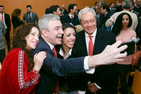 """Conferencia de Luis Garicano 'El contraataaque liberal. Entre el vértigo tecnológico y el caos populista' en el Instituto de Estudios Cajasol (5) • <a style=""""font-size:0.8em;"""" href=""""http://www.flickr.com/photos/129072575@N05/32025537907/"""" target=""""_blank"""">View on Flickr</a>"""