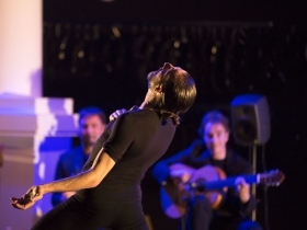 """Los Jueves Flamencos de la Fundación Cajasol en Sevilla: Andrés Marín con 'Bacterias' (10) • <a style=""""font-size:0.8em;"""" href=""""http://www.flickr.com/photos/129072575@N05/40624670843/"""" target=""""_blank"""">View on Flickr</a>"""