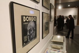 "Exposición 'El infinito Borges' en Córdoba (30) • <a style=""font-size:0.8em;"" href=""http://www.flickr.com/photos/129072575@N05/45827719955/"" target=""_blank"">View on Flickr</a>"