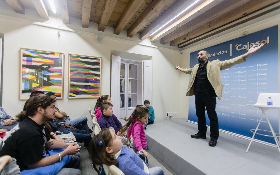 Mario El Mago vuelve para sorprender con su espectáculo en la sede gaditana de la Fundación Cajasol