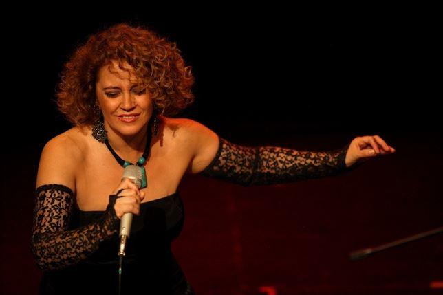 El fado de Rosario Solano abre el ciclo 'Músicas de otoño' en el Espacio Cultural Plus Ultra de la Fundación Cajasol en Huelva