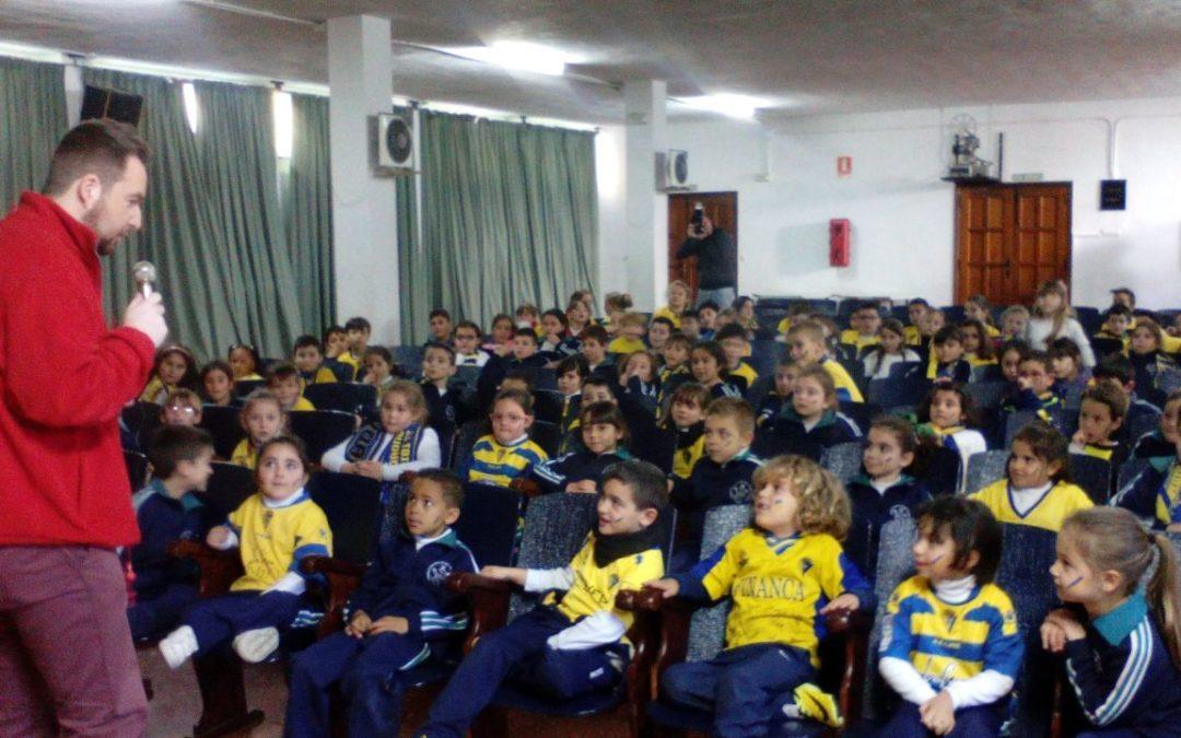 Valores educativos, deportivos y nutricionales en los colegios gaditanos con 'El Cádiz al cole'