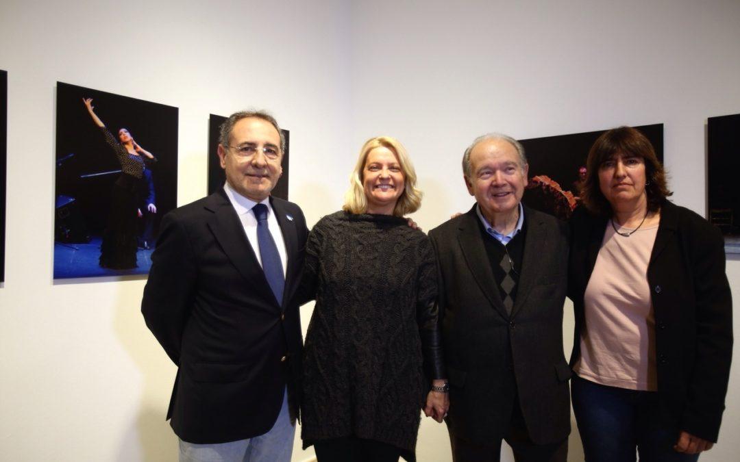 La exposición fotográfica 'Jueves a Compás', de Remedios Malvárez, en la sede de la Fundación Cajasol en Cádiz hasta el 20 de marzo
