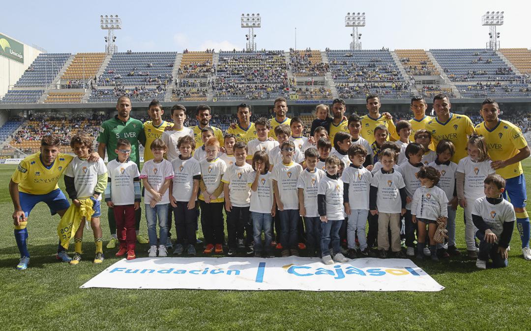 Fundación Cajasol y Cádiz CF trabajan en la promoción del deporte