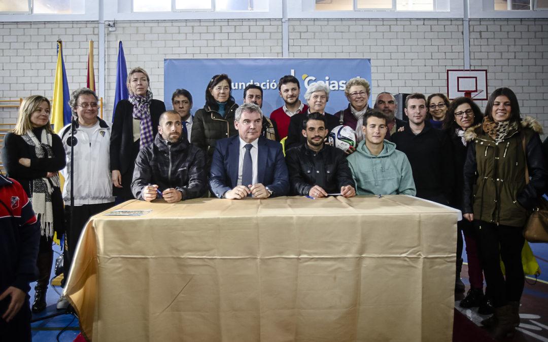 Cádiz CF y Fundación Cajasol en el 125º aniversario de las Esclavas en Cádiz