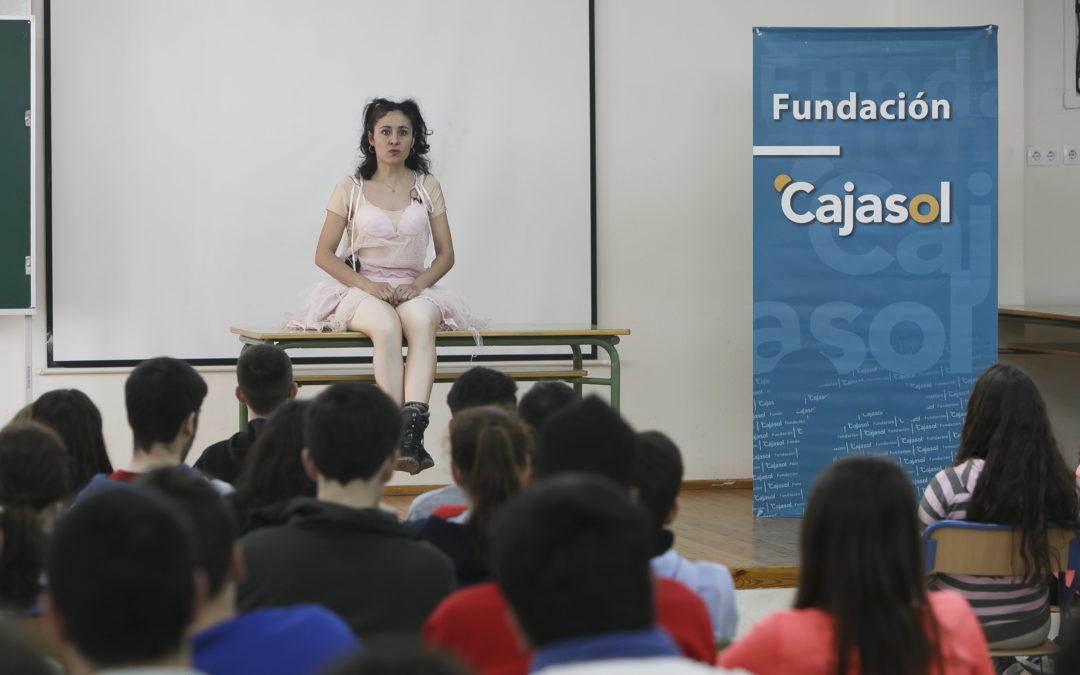 'Monólogos por la Igualdad' llegan al IES Virgen de Valme, escenificando desigualdades de género en la juventud