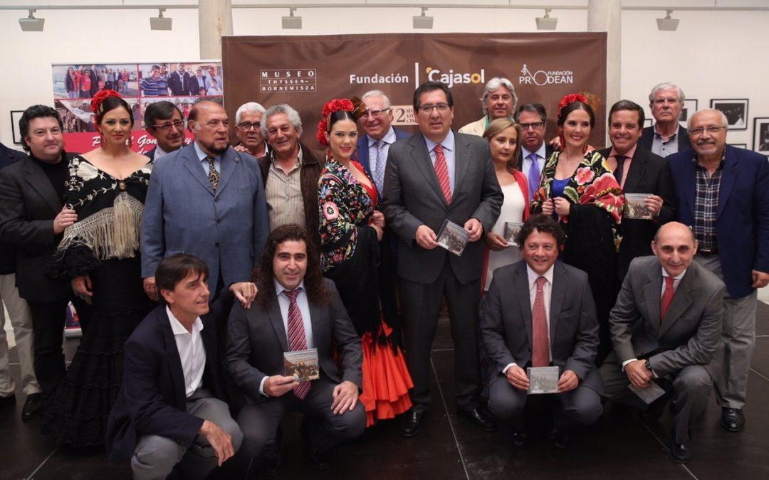 La Fundación Cajasol presenta el disco de los Cantores de Híspalis 'Que vivan las sevillanas', a beneficio de Prodean