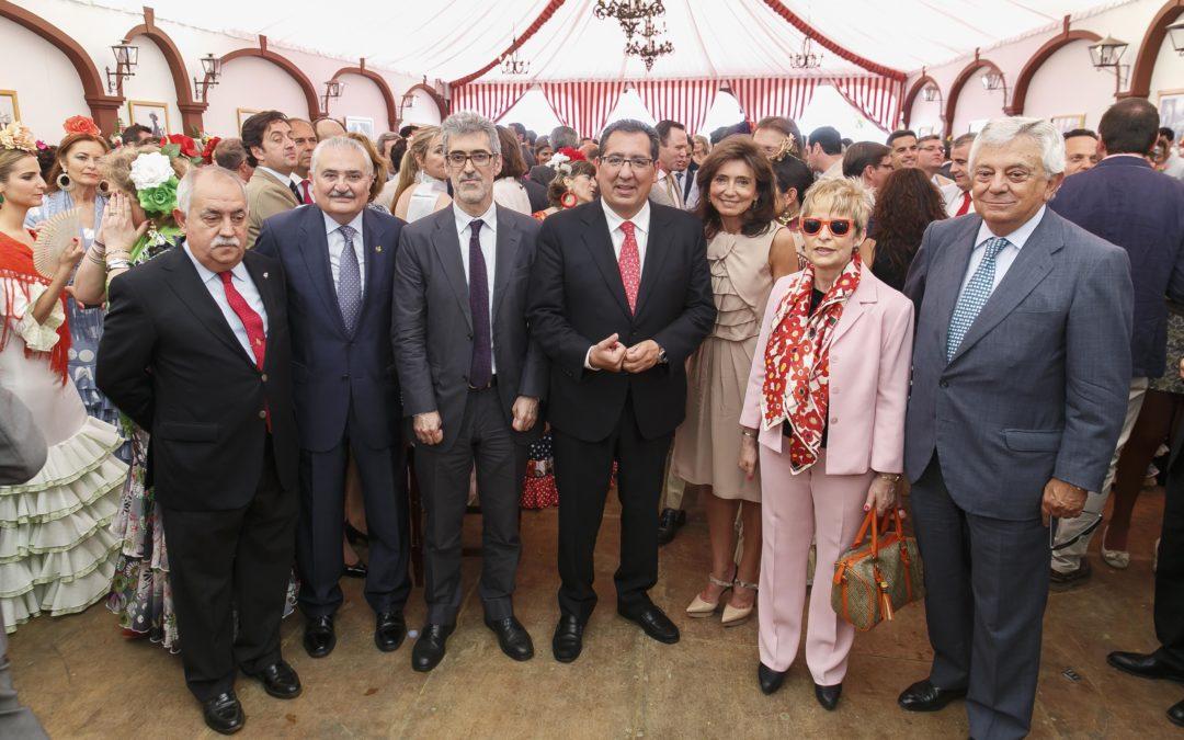 Recepción institucional de la Fundación Cajasol en la Feria de Abril 2015