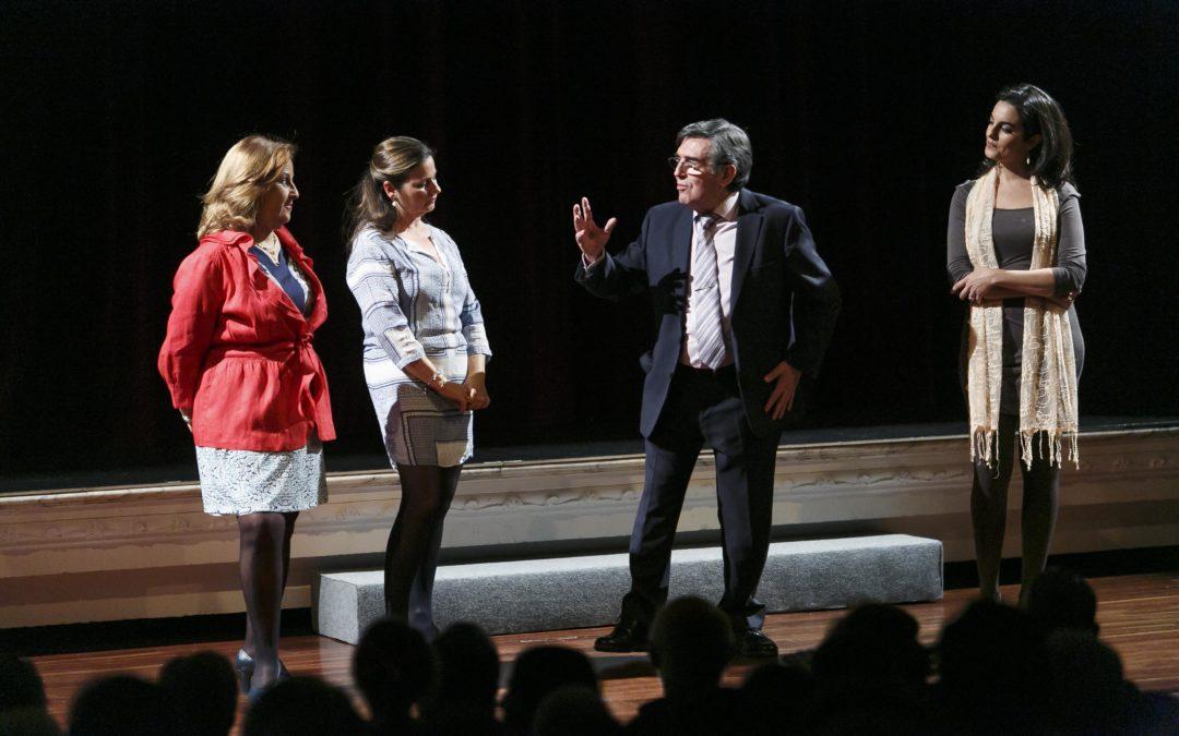 Estreno de la obra 'De Ellas para Ellos', protagonizada por compañía teatral 'Cuatro más Dos'