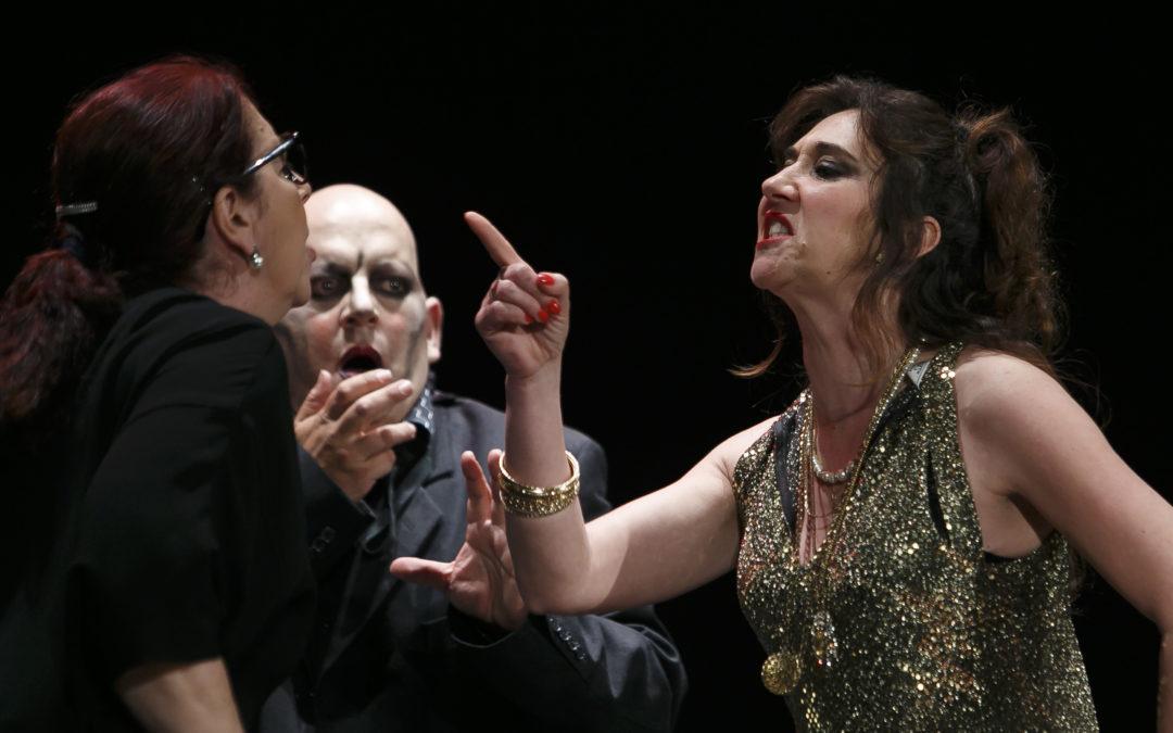'Telón Rojo' interpreta 'Insólito Menú Transcultural' a beneficio de FAEM en la Fundación Cajasol