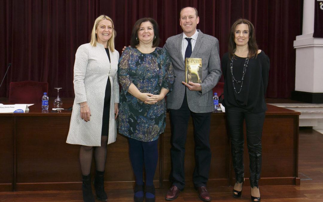 Fernando Carrasco presenta su tercera novela, 'INRI', en la Fundación Cajasol
