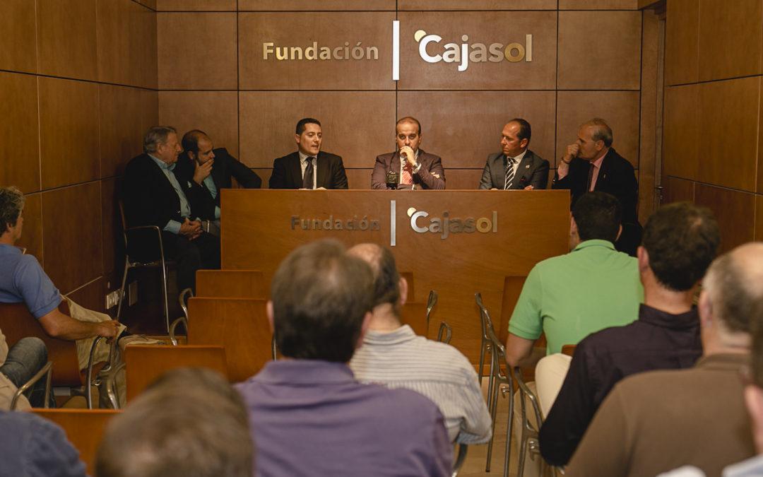 Tertulia cofrade 'Último Tramo' en la sede gaditana de la Fundación Cajasol