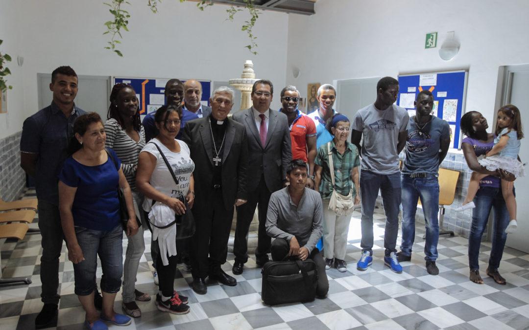 Antonio Pulido visita la Fundación Centro Tierra de Todos acompañado del Obispo de Cádiz