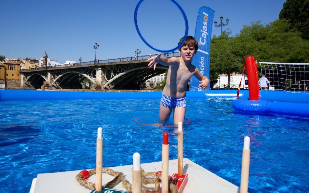 Intensa jornada repleta de diversión y deportes acuáticos en el Muelle de la Sal de la mano del Club Natación Sevilla