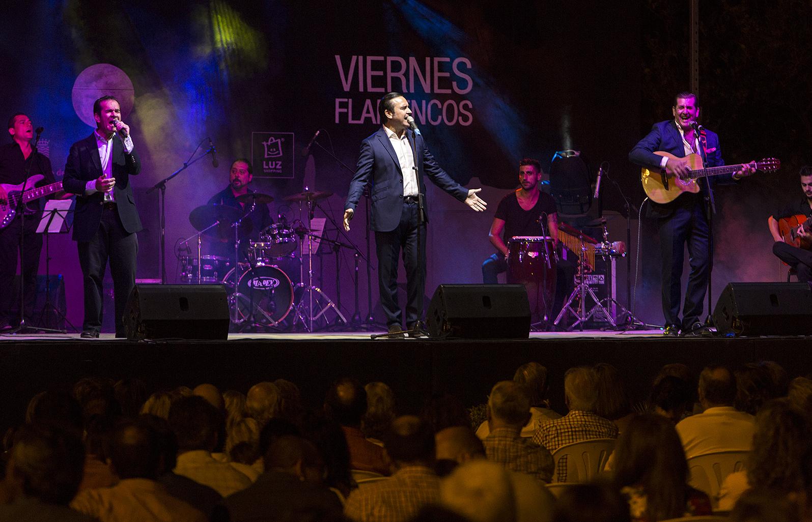 Concierto solidario de 'A dos velas' en el Alcázar de Jerez