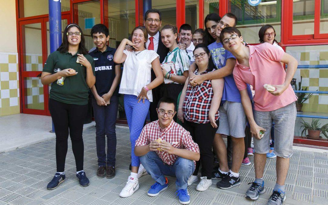 La Fundación Cajasol colabora con el colegio de Educación Especial de la Macarena