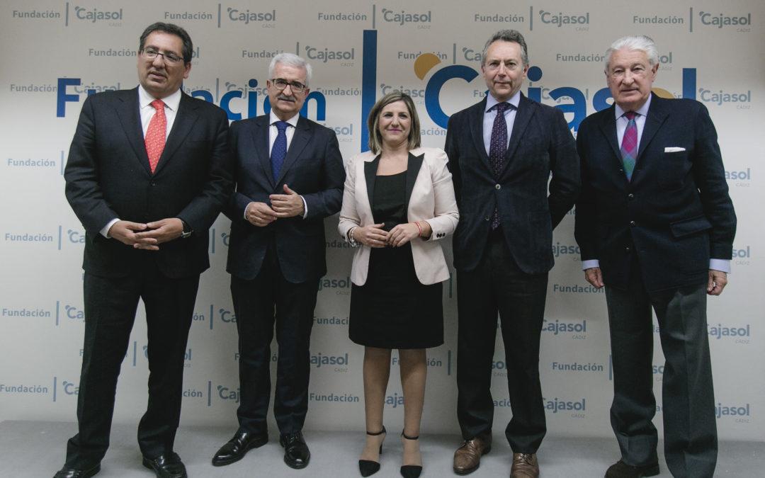 Antonio Pulido asiste al Foro de Cádiz con Irene García
