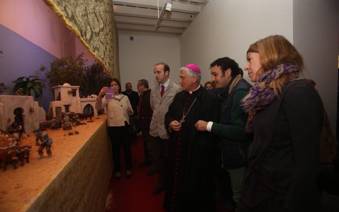 La Fundación Cajasol inaugura la Navidad en Cádiz con un Belén dedicado a la infancia