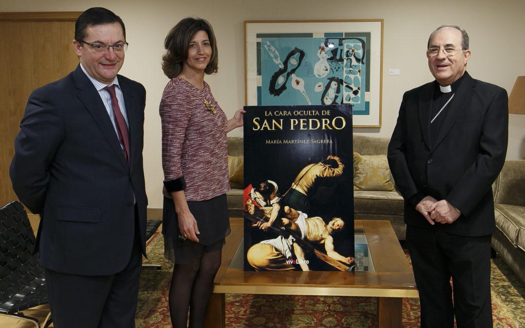 La Fundación Cajasol acoge la presentación de la novela 'La cara oculta de San Pedro'
