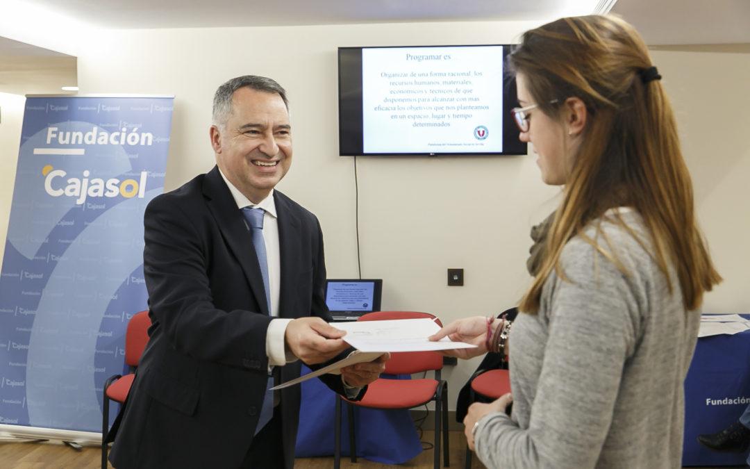Curso de formación básico de voluntariado en la sede de la Fundación Cajasol en Huelva