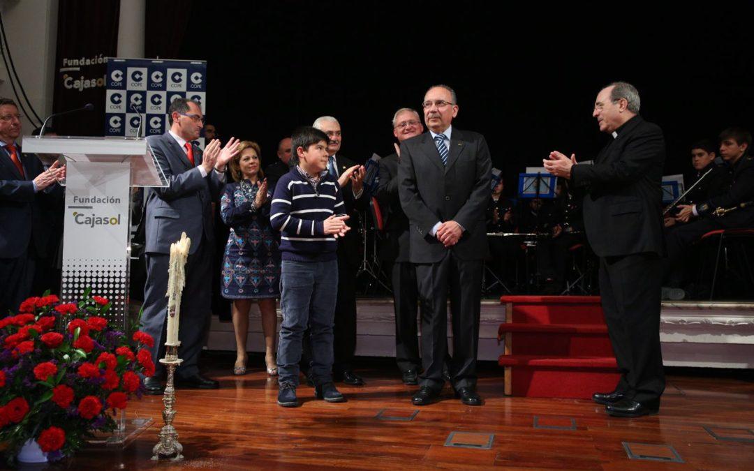 Entrega de la 'Saeta de Oro 2016' al doctor José Pérez Bernal