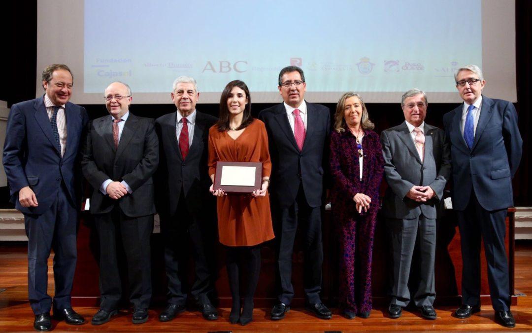 Rocío Camacho recibe el XII Premio Santiago Gutiérrez Anaya en la Fundación Cajasol