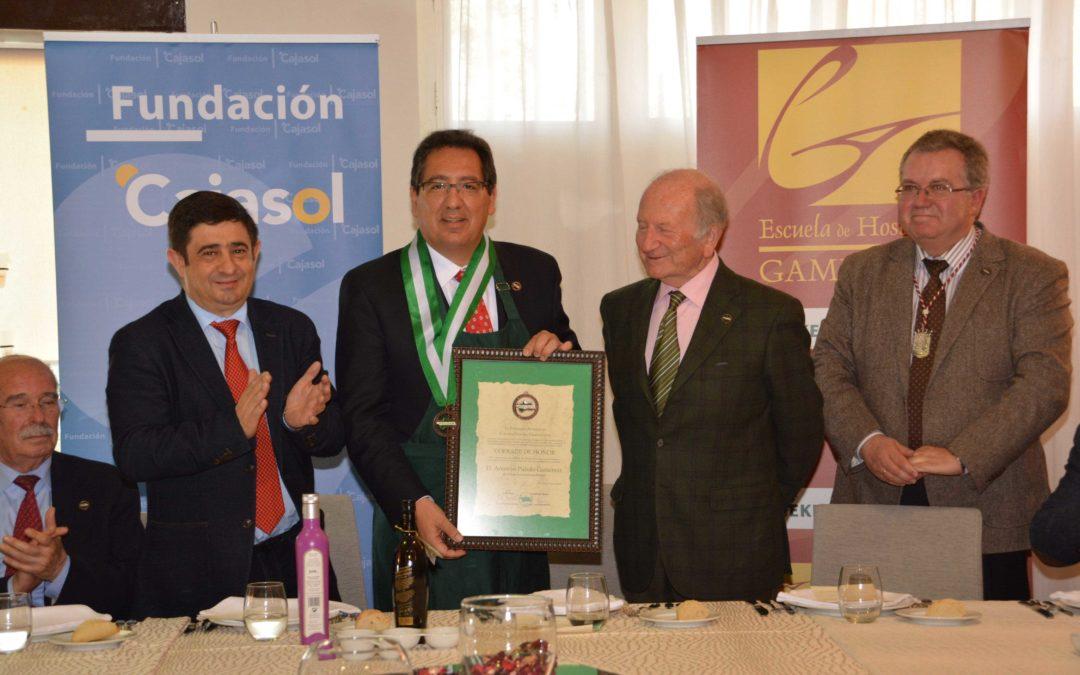La Federación Andaluza de Cofradías Vínicas y Gastronómicas nombra Cofrade de Honor a Antonio Pulido