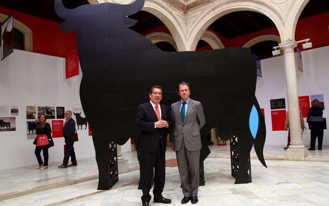 Exposición 'El Toro de Osborne: Icono del diseño español', hasta el 20 de abril en la Fundación Cajasol