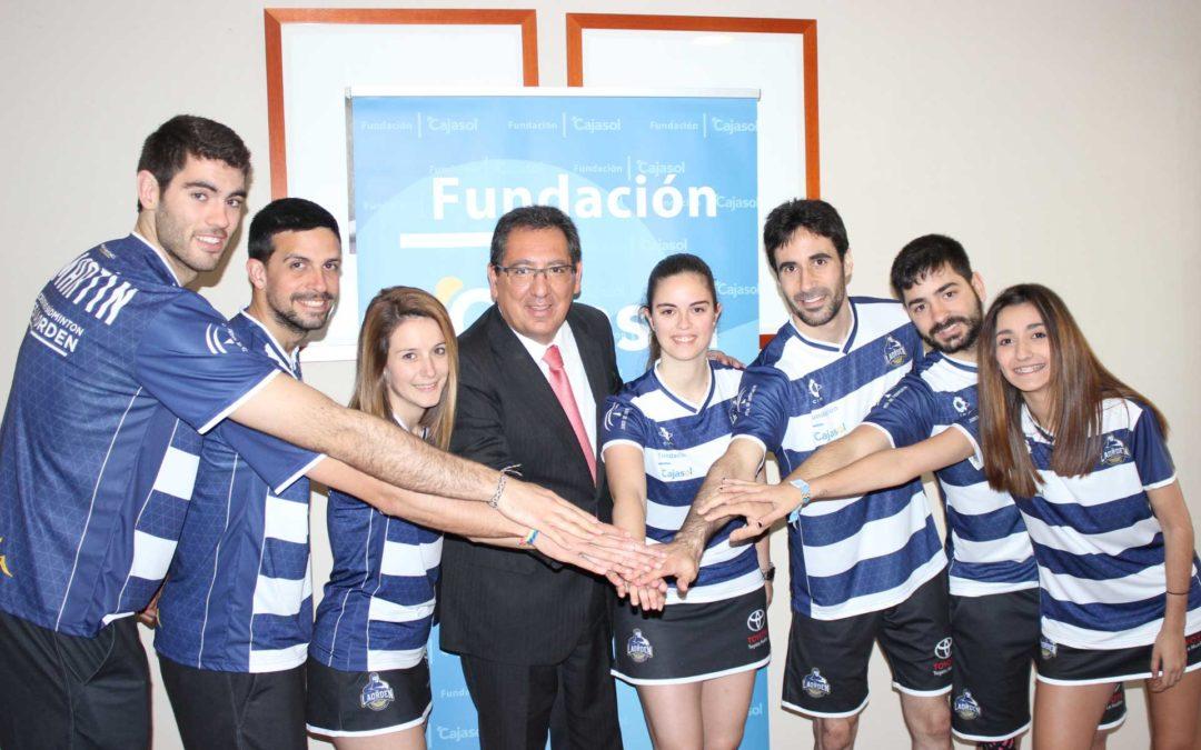 La Fundación Cajasol desea suerte al IES La Orden antes de la final de la Liga
