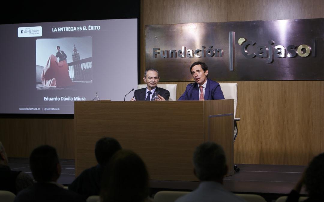 Conferencia de Eduardo Dávila Miura 'La Entrega es el Éxito' en la Fundación Cajasol