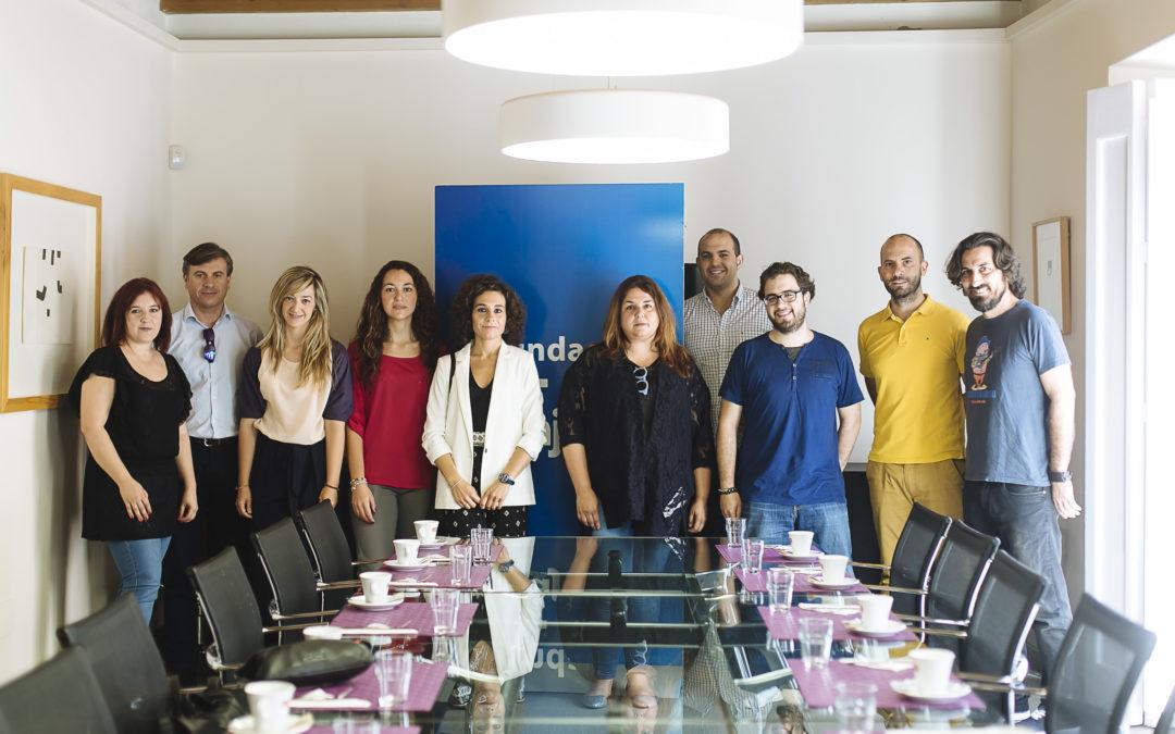Periodistas becados por la Fundación Cajasol ponen en común su experiencia formativa con emprendedores