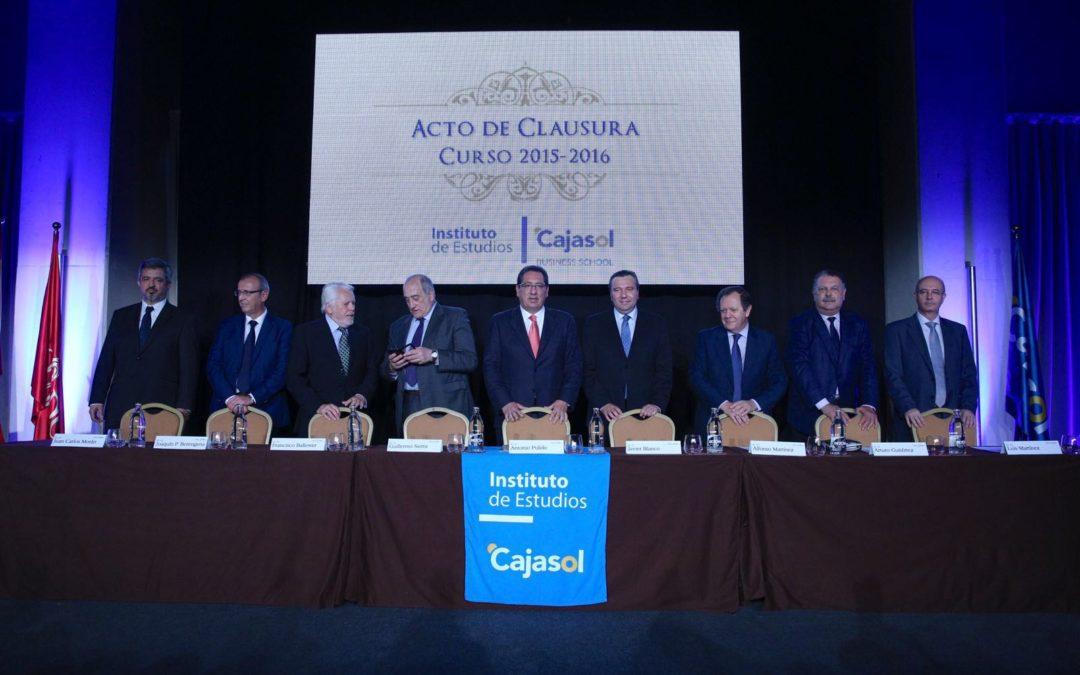 El Instituto de Estudios Cajasol celebra el Acto de Clausura del Curso Académico 2015/2016