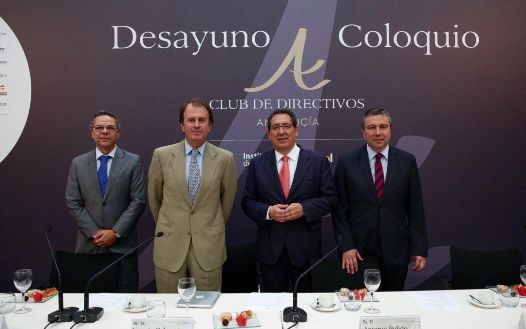 Antonio Pulido asiste al Desayuno-coloquio del Club de Directivos Andalucía con Ignacio Osborne