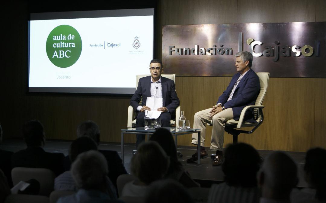 Juan Antonio Ruiz 'Espartaco' en el Aula de Cultura de ABC de Sevilla desde la Fundación Cajasol