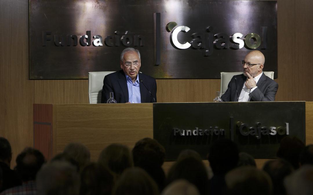 Alfonso Guerra propone 'una lectura de El Quijote' en la Fundación Cajasol