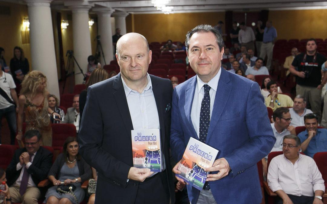 Pepe Mel presenta su tercer libro, 'La Prueba', en la Fundación Cajasol