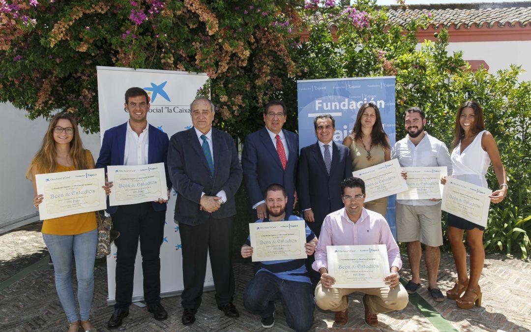 La Fundación Cajasol y la Obra Social 'la Caixa' becan a 89 alumnos de Másteres y Cursos de Expertos del Instituto de Estudios Cajasol