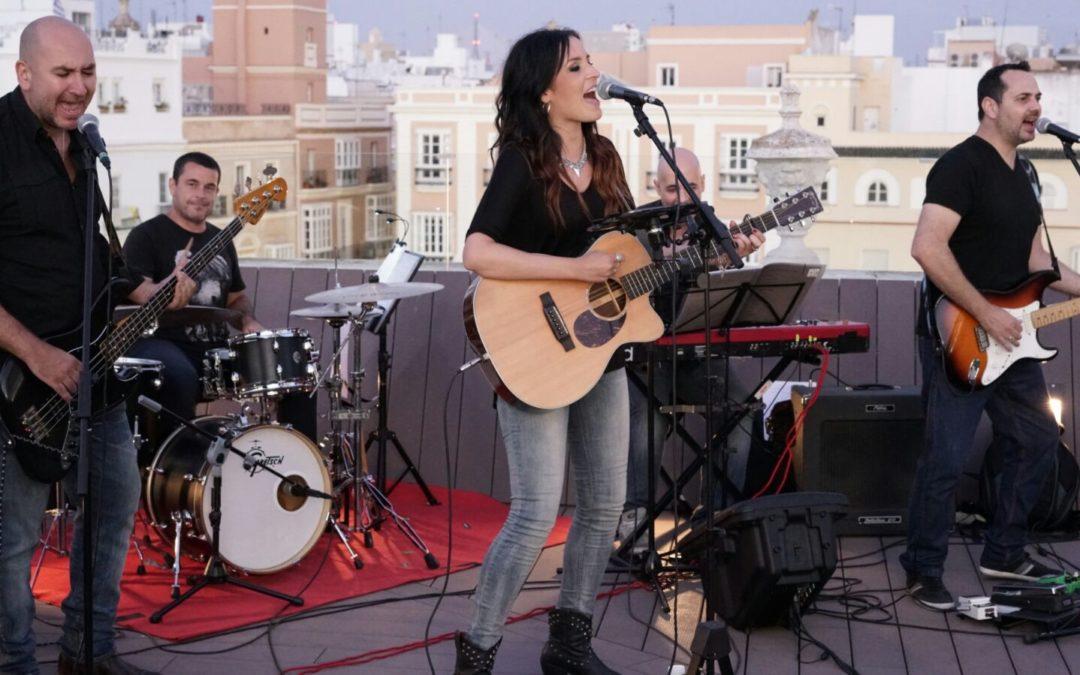 La Fundación Cajasol estrena su ciclo de conciertos 'Los Jueves en la Azotea' en Cádiz con la actuación de Sara Marín