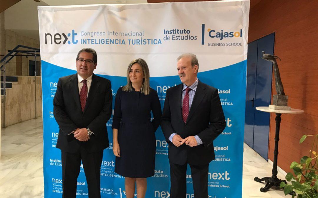 """Antonio Pulido: """"Desde la Fundación Cajasol y el Instituto de Estudios nos sentimos plenamente identificados con los valores que se asocian al Turismo Inteligente"""""""