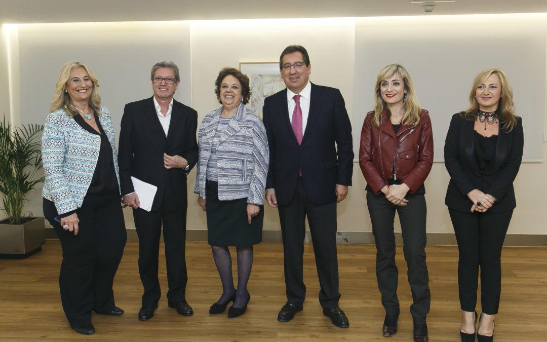 Presentación del libro 'Con permiso', de Manuel Bellido, en la Fundación Cajasol