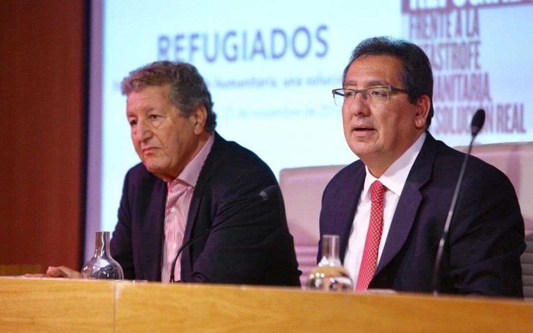 Sami Naïr presenta su nuevo libro en la Fundación Cajasol