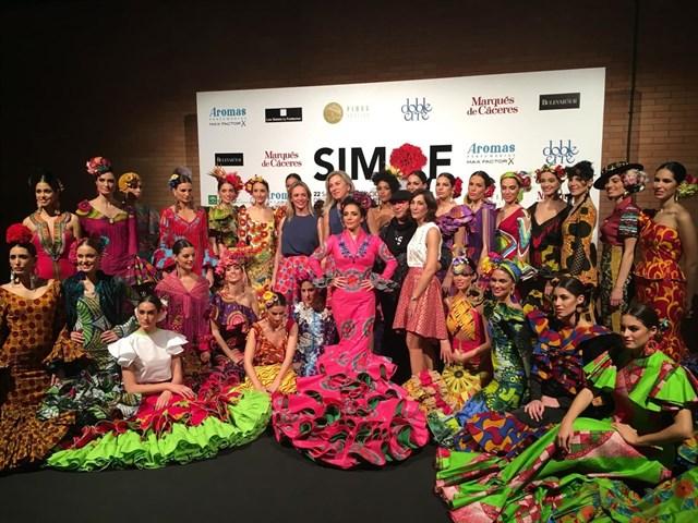 'Emprende lunares': un proyecto para apoyar a jóvenes promesas de la moda flamenca