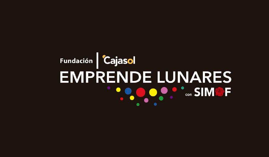 Los diseñadores del proyecto formativo 'Emprende Lunares' muestran sus colecciones en la Fundación Cajasol
