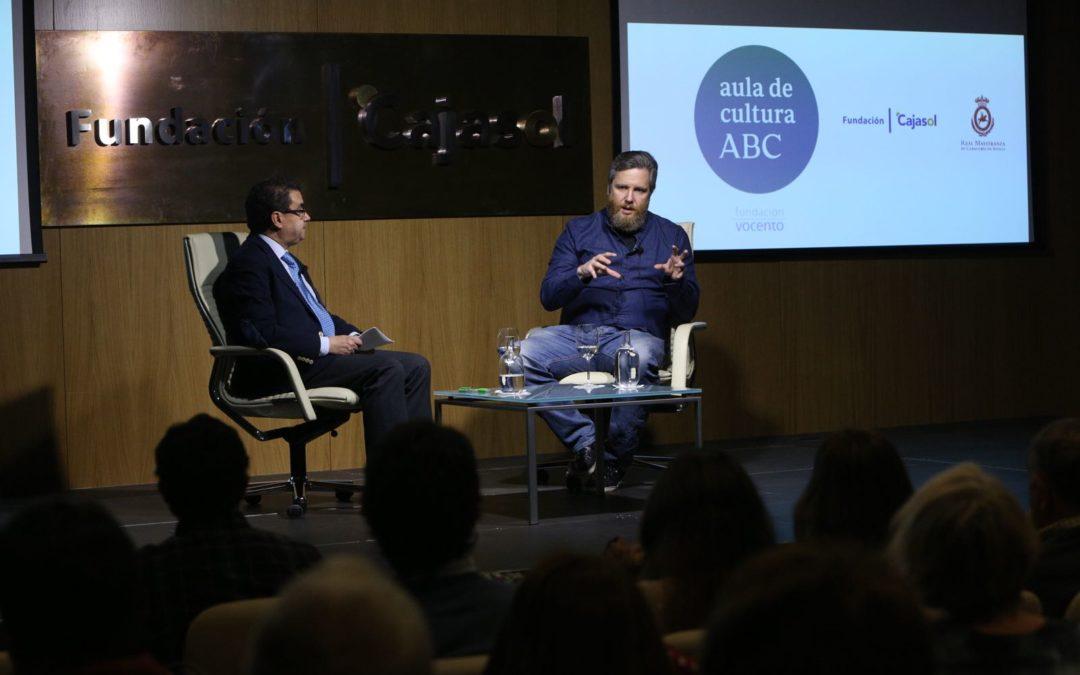 David Gistau analiza su tercera novela, 'Golpes bajos', en el Aula de Cultura de ABC de Sevilla desde la Fundación Cajasol