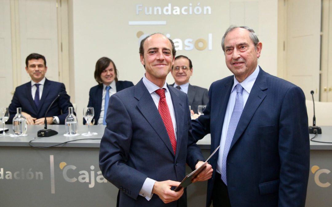 Entrega del VII Premio Ángel Olavarría a Juan Antonio Carrillo Donaire en la Fundación Cajasol