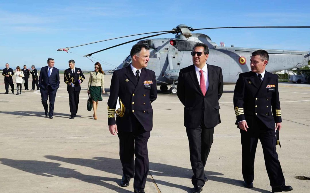 La Armada y la Fundación Cajasol afianzan su compromiso y repasan los avances en los acuerdos alcanzados